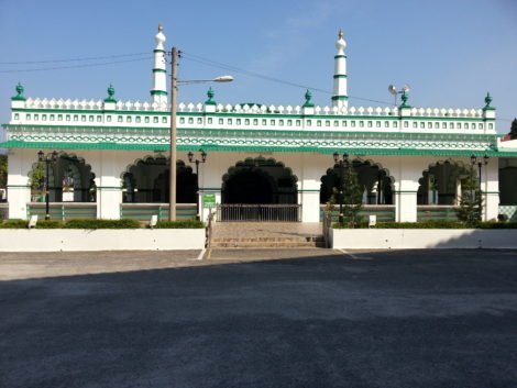 Front view of the Masjid India