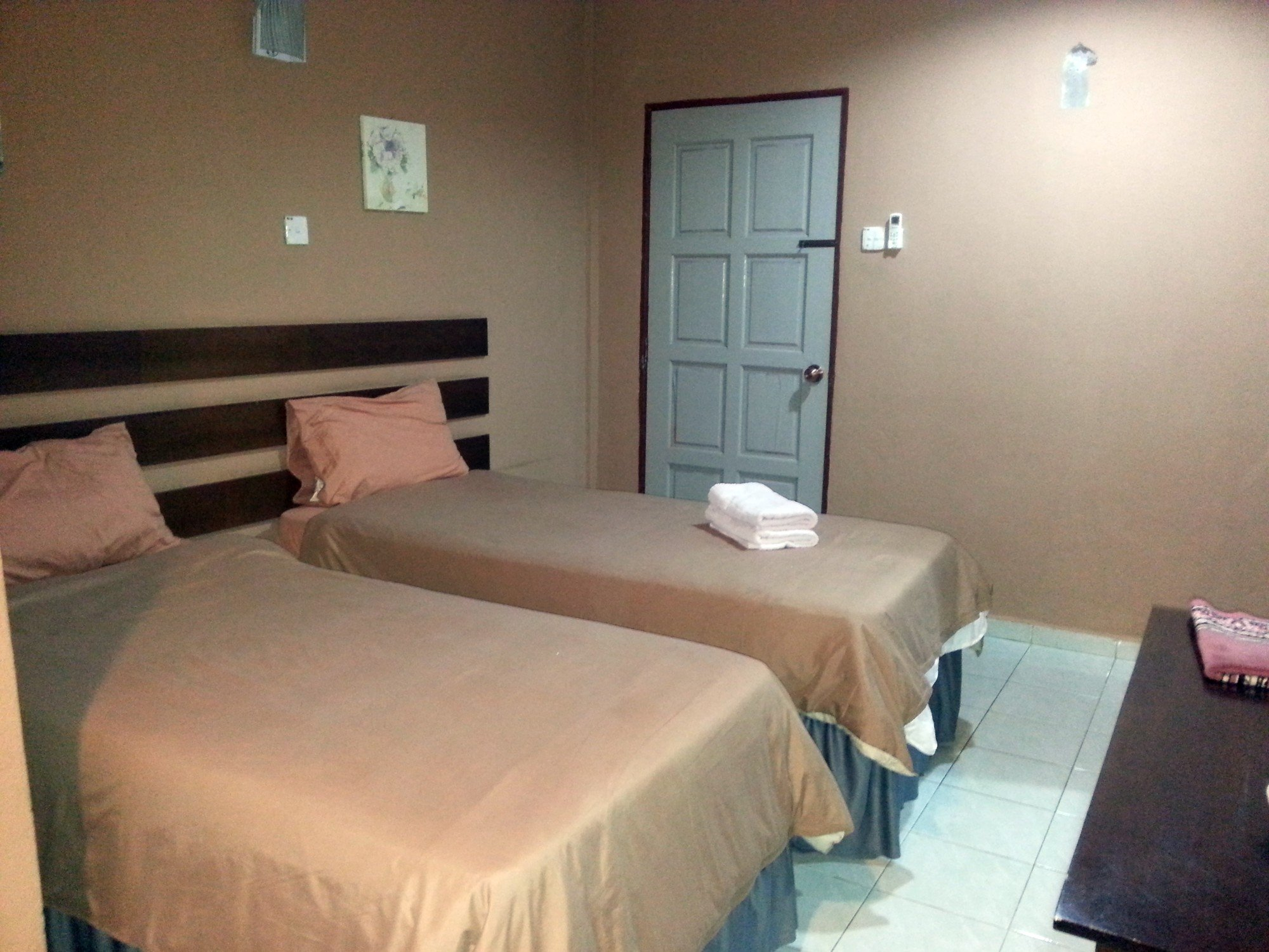 Bedroom at the Motel Sei Mutiara